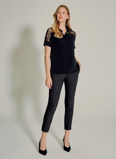 NGSTYLE Dantel Detaylı Gömlek Siyah
